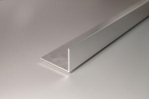 Barra aluminio ángulos lados desiguales