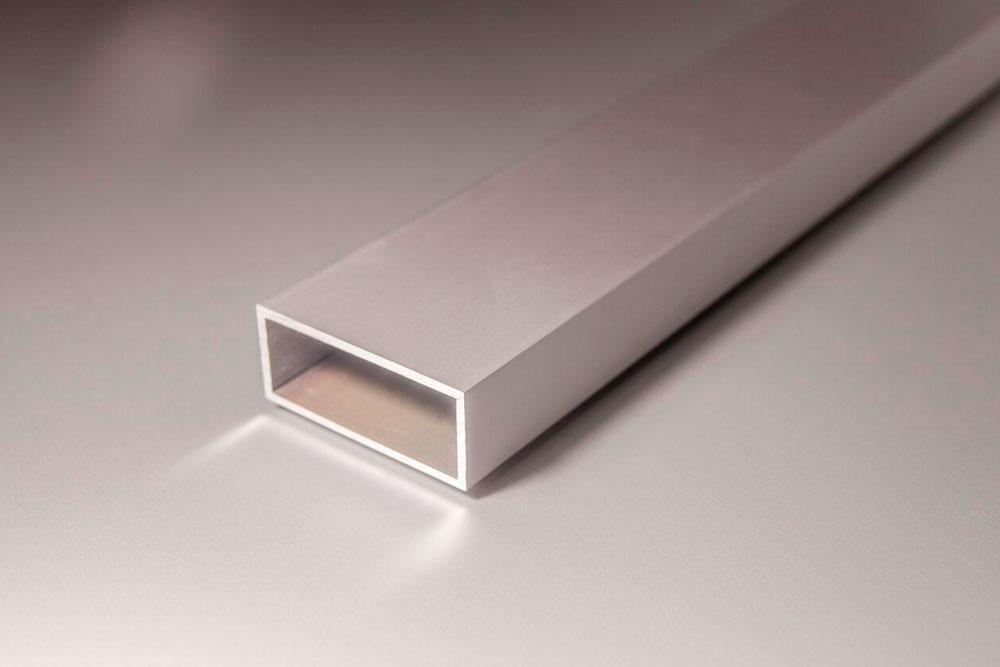 Tubo rectangular de aluminio hueco